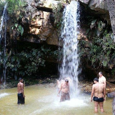 Cachoeira das borboletas Queda d'água na parte inferior.