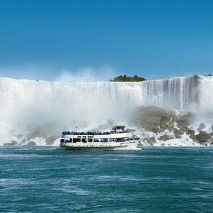 Maid of the Mist in front of American Falls