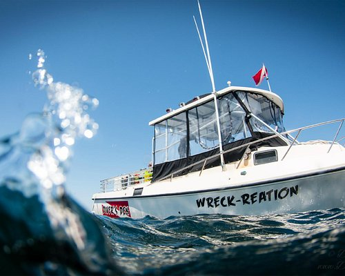 Wreck-reation dive boat, image taken by Don Costanza :www.deco-services.com