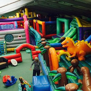 Giant Fully inflatable indoor play area