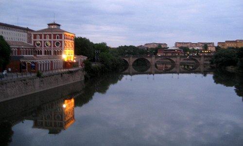 La Casa de las Ciencias sobre el Ebro