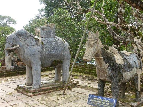 i simboli che proteggevano il palazzo reale