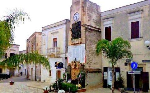 La Torre dell'Orologio e Largo Umberto I°