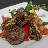 Grigliata di Carne Manzo e Pollo (Foto a cura di Renato Vettorato)