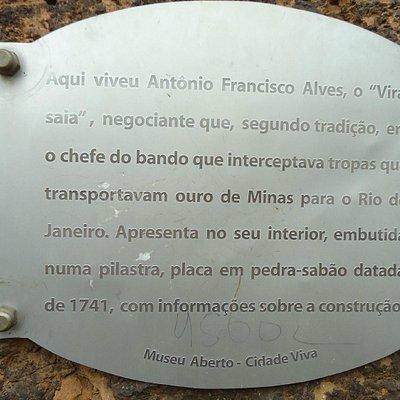 Exemplo de placas que encontramos ao percorrer as ruas de Ouro Preto
