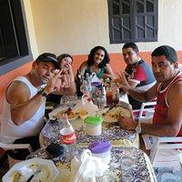 Amigos no Restaurante Dona Nena