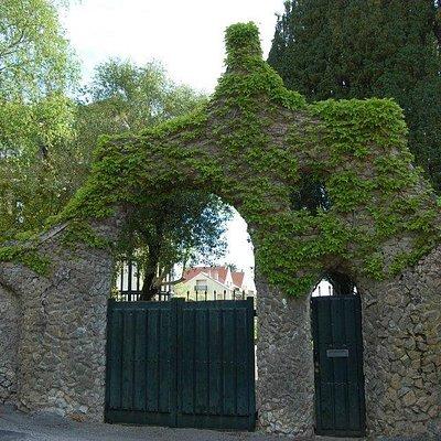 Puerta de los Pajaritos