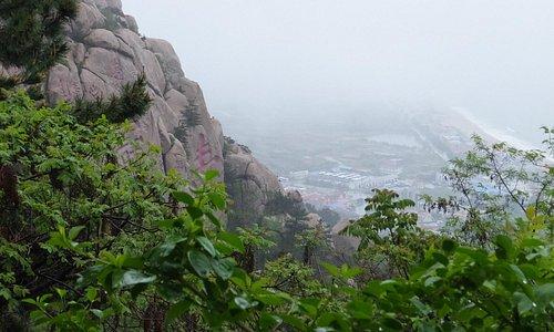 寿字岩と海岸線