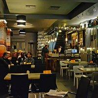ΕΣΩΤΕΡΙΚΟΣ ΧΩΡΟΣ/THE CAFE RESTAURANT BAR INSIDE