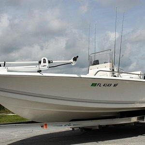 "Charter Boat: 21' 8"" Sea Pro Bay Boat"