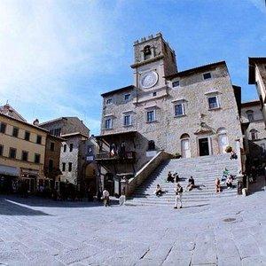 Cortona Guida Turistica Piazza della Repubblica