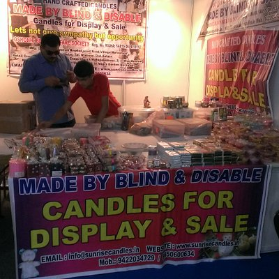 handmade candles made by blind