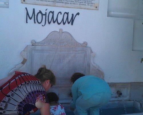 Mojacar Font - filling up water bottles