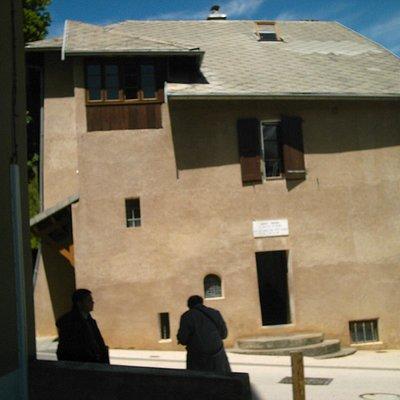 casa Benoite Rencurel
