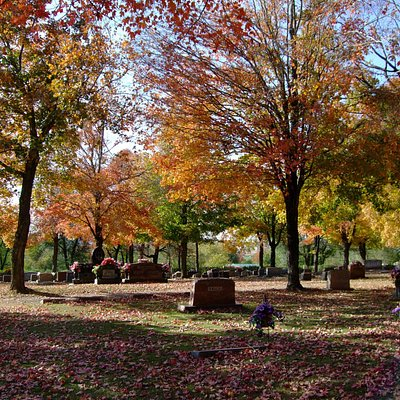 Maplewood Cemetery in Fall