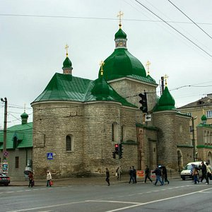 Ternopil: Church of the Nativity of Christ - not at all small!