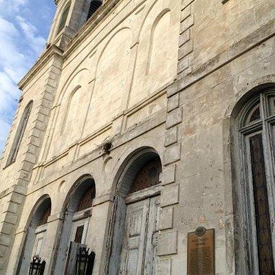 Entrance/Marighny Opera House