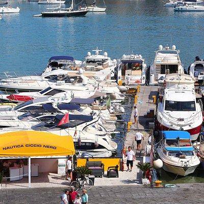 Ormeggio barche Ciccio Nero Ponza