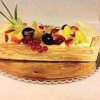 Cassetta di frutta in cioccolato bianco