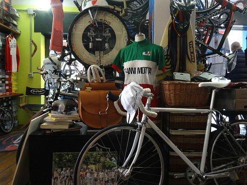 The classic Italian cycle shop