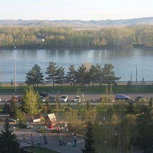 Парк Саулетай на набережной Иртыша в Усть - каменогорске