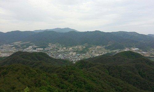 Yanggu, from Bibongsan.