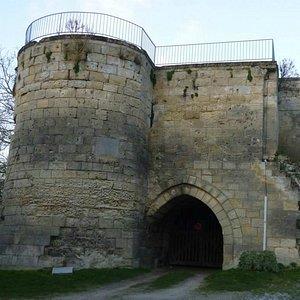 Chauny gate