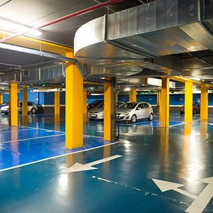 Parking at the Axor Barajas Hotel