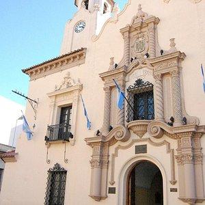 Fachada Colegio Nacional de Monserrat