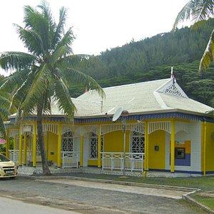 Fare post office has Internet