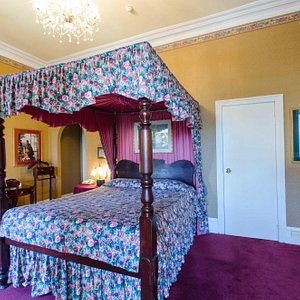 4 Poster bed in The Victoria Room