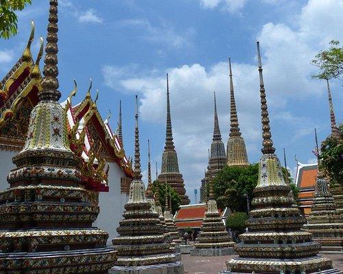 Phra Maha Chedi Si Rajakarn at Wat Pho