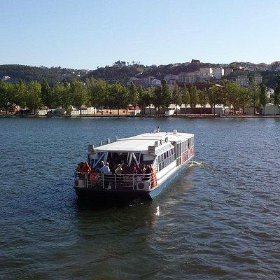 Rio Mondego. Basófias(nome do barco e do rio)