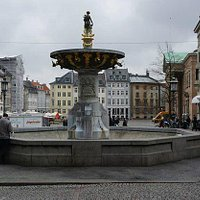 A lovely fountain in the square.