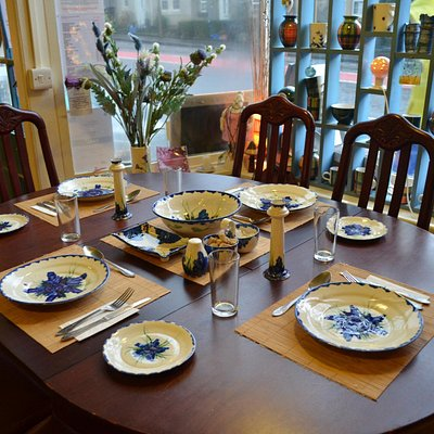 Family table and best porcelain!