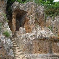 Tomba Ildebranda: le rovine della tomba a tempio