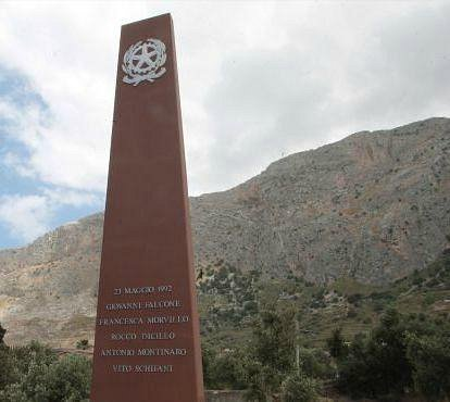 MONUMENTO DELLA MEMORIA IN RICORDO DEL GIUDICE GIOVANNI FALCONE E DELLA SUA SCORTA 23 MAGGIO 199