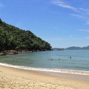 Praia do alto,  o mar é quase uma piscina.
