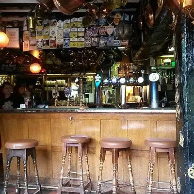 Horns and Horseshoes bar