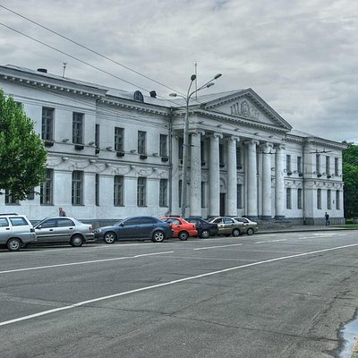 Poltava: Round Square ensemble