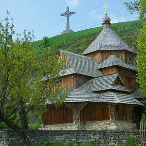 Kamianets-Podilskyi: Cross Exaltation Church in Karvasary