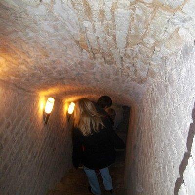 Treppe hinab in die Keller