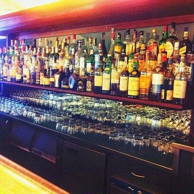 Una bottiglieria completa