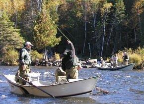 Driftboat fishing on the Upper Andro