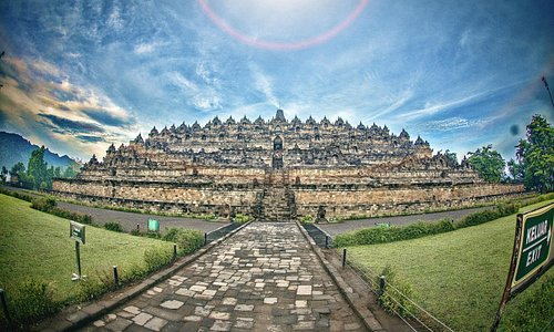 Borobudur Temple - Central Java - Indonesia - Wandervibes - temple figheye