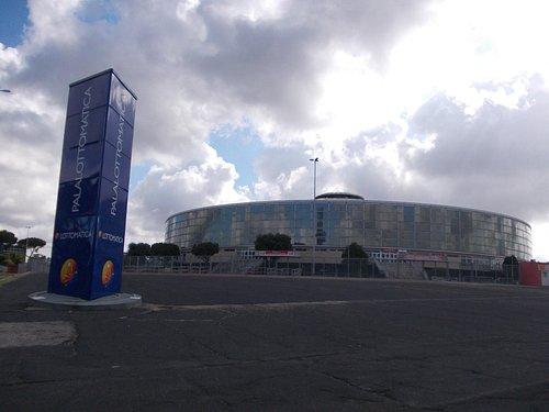 Palasport (lato dell'ingresso principale)