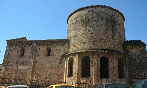 Chiesa di San Salvatore vista dal Largo