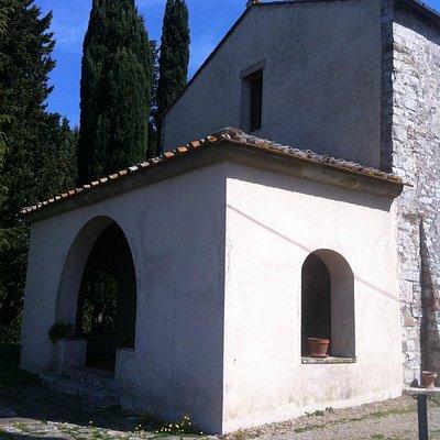 San Giovanni Battista a Monteloro, facciata