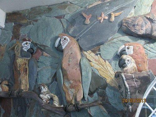 se puede apreciar el arte tallado en piedra