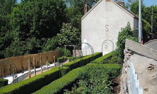 住宅兼アトリエと庭